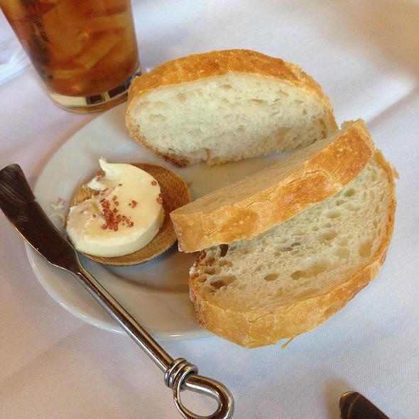 Bread Service - Mulvaney's B&L, Sacramento, CA