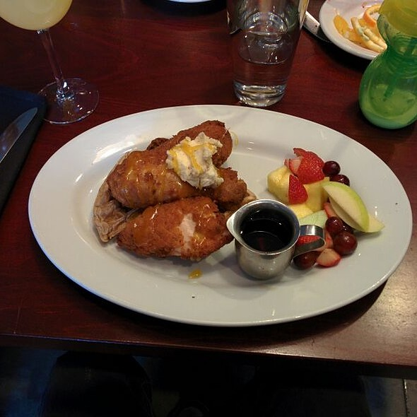 Chicken & Waffles - Lavagna - Washington DC, Washington, DC