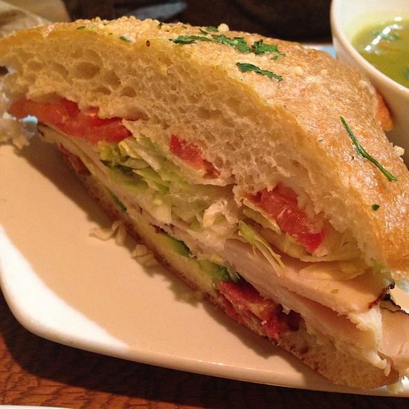 California Pizza Kitchen California Club Sandwich Recipe