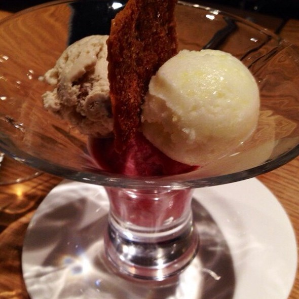 amaretto, walnut and  strawberry ice cream - Fishworks - Swallow Street, London
