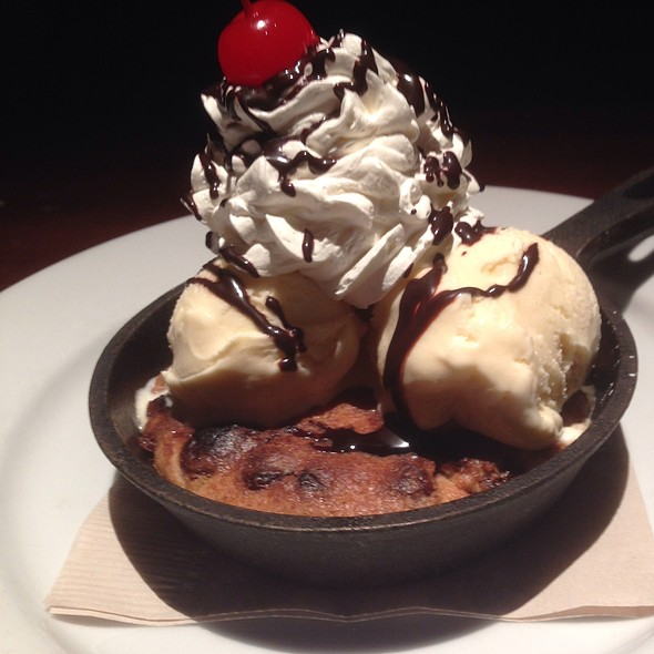 Chocolate Chip Cookie Sundae - The Happ Inn, Northfield, IL