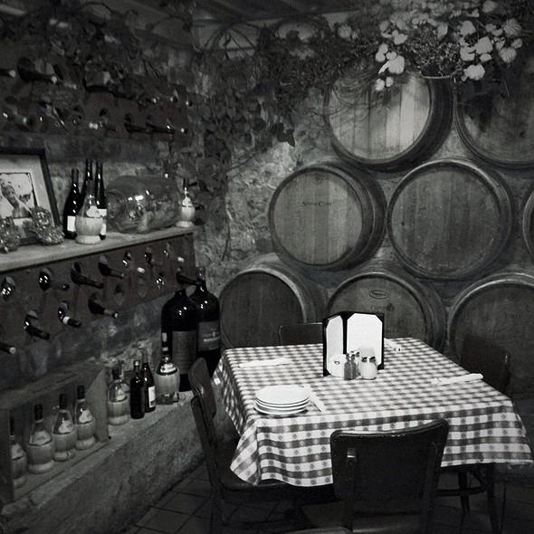 The Wine Cellar - Vinny Vanucchi's 'Little Italy' - Galena, Galena, IL