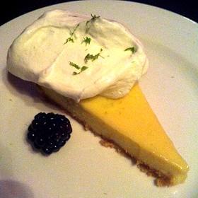 Key Lime Tartelette À La Lime Des Îles Keys - Suite 701 Lounge Restaurant, Montréal, QC
