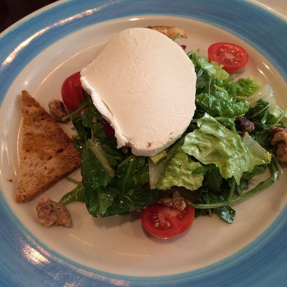 Goat Cheese And Walnut Salad - Spasso Italian Grill - Philadelphia, Philadelphia, PA