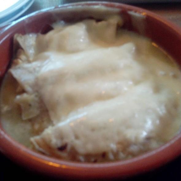 Enchiladas Suizas Café O - Cafe O - Lomas, México, CDMX