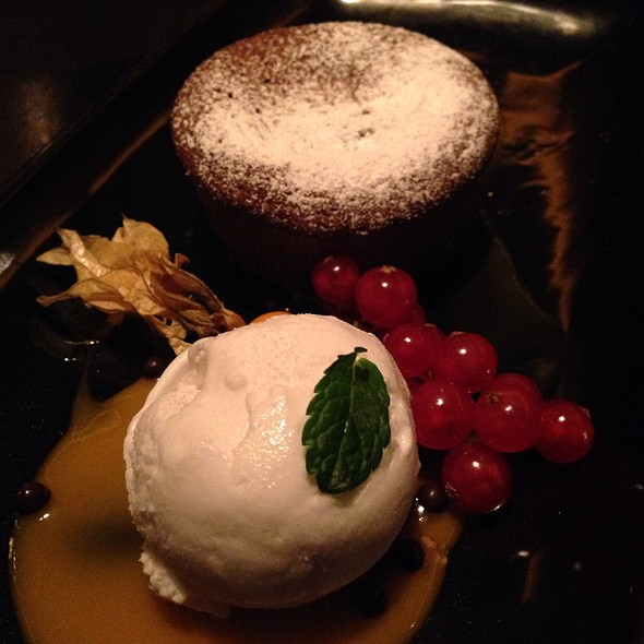 Warm Chocolate Fondant With Coconut Ice Cream - The Grill im Künstlerhaus, München, BY
