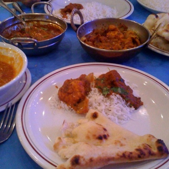 Mulligatawny soup, Lamb Tikka and Chicken Balti with Naan - Standard Balti House, London