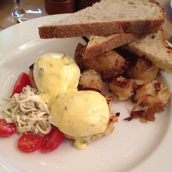 Italian Foods Near Me: Stone Park Cafe Restaurant - Brooklyn, NY