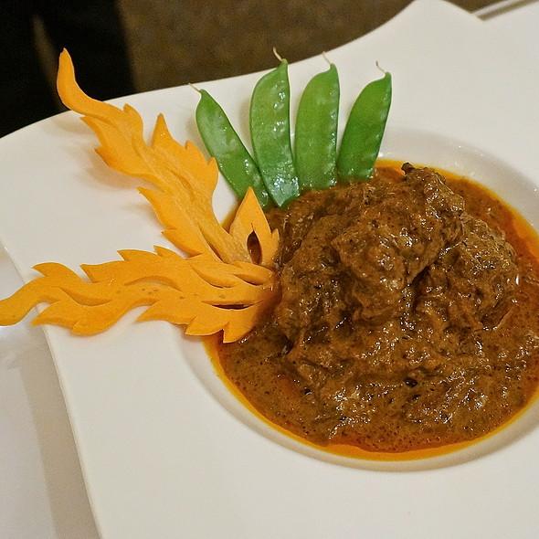 Mussaman curry with beef tenderloin, rich coconut curry sauce spice and Thai herbs (Thai food) - Arun's Thai Restaurant, Chicago, IL