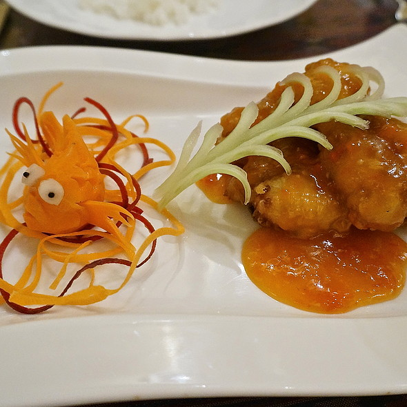 Light fried snapper, three-flavored chili sauce, spicy, sweet & sour, carrot fish (Thai food) - Arun's Thai Restaurant, Chicago, IL
