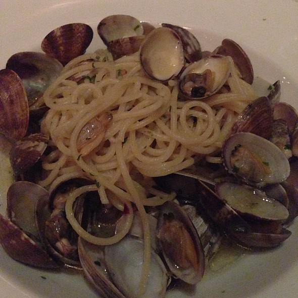 Spaghetti With Clams - Quattro - South Beach, Miami Beach, FL