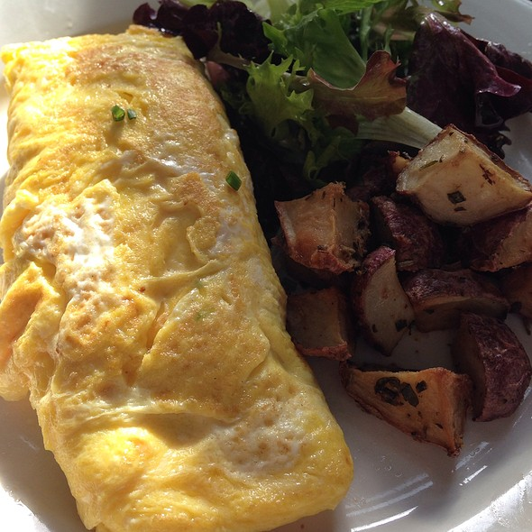 Omelette With Crabmeat And Avacado - La Bergamote - Hell's Kitchen, New York, NY