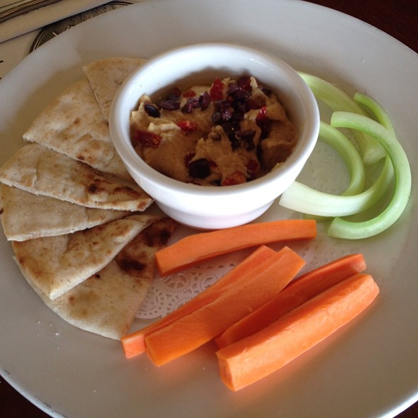 Hummus With Sun Dried Tomato & Chopped Olives - Tir Na Nog, Baltimore, MD