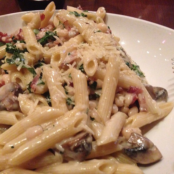 Tuscan Penne - Flight Restaurant & Wine Bar, Glenview, IL
