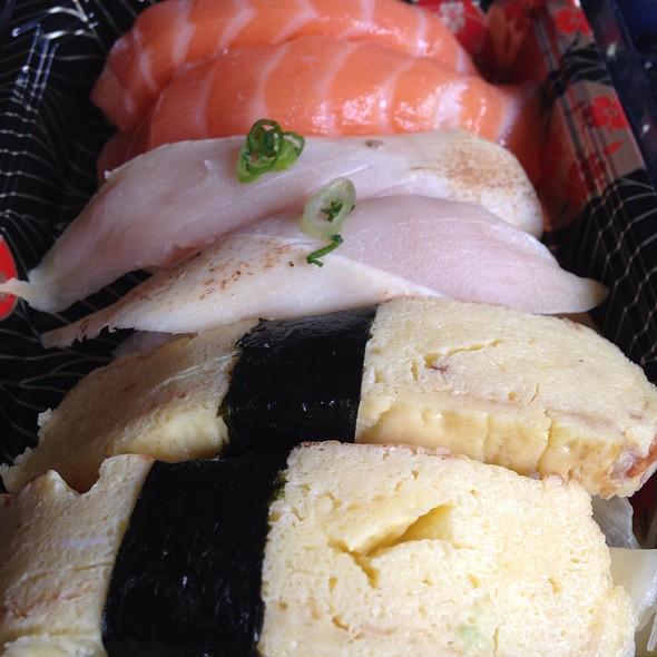 Nigiri - Sushi Zushi - Dallas, Dallas, TX