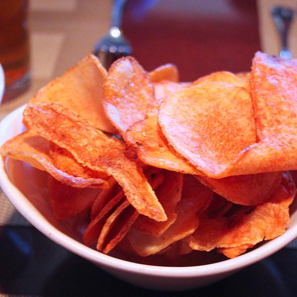 Housemade Potato Chips - Pizzeria Villagio, Palm Desert, CA
