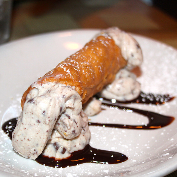 Cannoli - Pizzeria Villagio, Palm Desert, CA