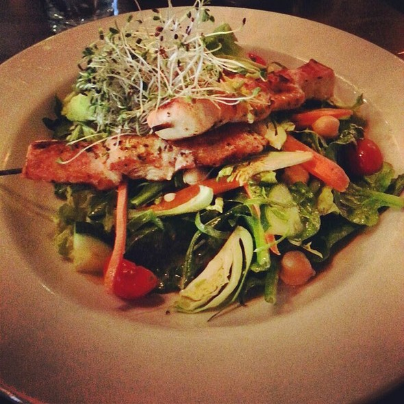 Big Veggie Salad W Chicken - Commissary DC, Washington, DC
