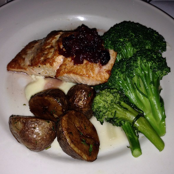 Pan Seared Atlantic Salmon - Clyde's of Tysons Corner, Vienna, VA