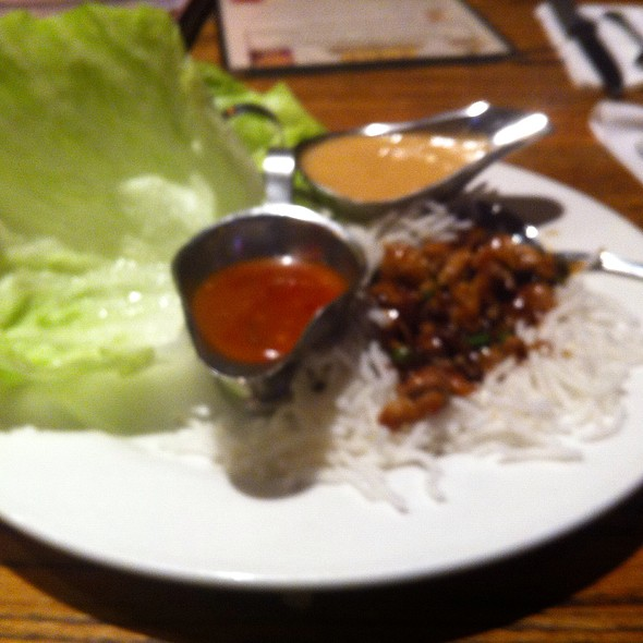 Spicy Chicken Lettuce Wrap - Humperdinks NW Highway, Dallas, TX