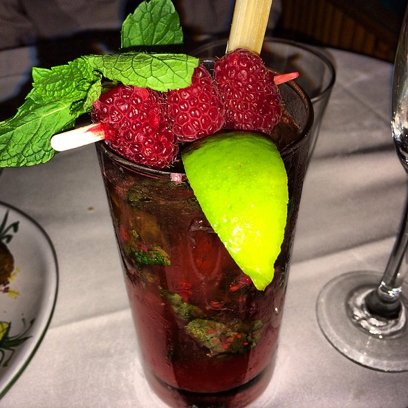 Fresh Raspberry Ivy Gimlet Cooler - Ivy at the Shore, Santa Monica, CA