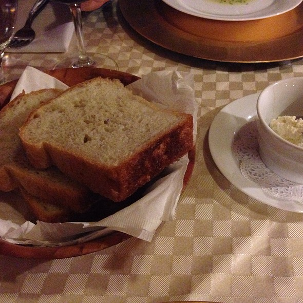 Bread and Butter - Restaurant Sarajevo, Chicago, IL