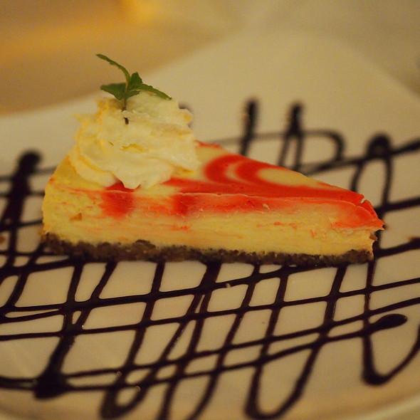 Raspberry Cheesecake - Hukilau Lanai, Kapaa, HI
