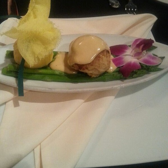 Jumbo Lump Crabcake  - Byrd and Baldwin Bros. Steakhouse, Norfolk, VA