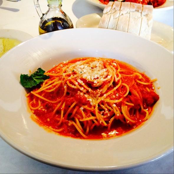 spaghetti al pomodoro - Francesca's Tavola, Arlington Heights, IL
