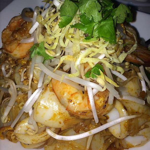 Pad Thai - COCO Asian Bistro + Bar, Fort Lauderdale, FL