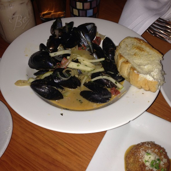 P.E.I. Mussels - Table 24, Rutland, VT