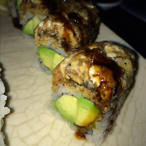 Chopped Crunch Eel Avocado Roll - Sushi Yasaka, New York, NY