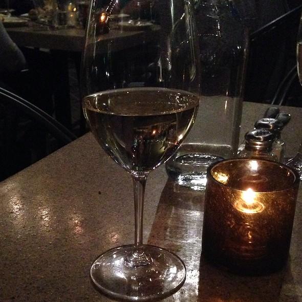 Pine Ridge Chenin Blanc Viogner Blend - 5th and Wine, Scottsdale, AZ