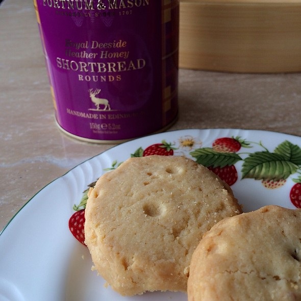 Royal Deeside Heather Honey Shortbread - Fortnum & Mason - Wine Bar, London