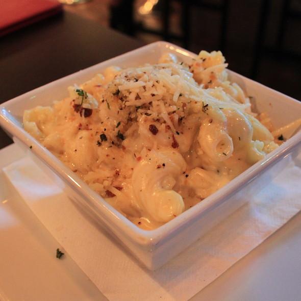 Mac and Cheese - Sapphire: A Modern Restaurant & Bar, Knoxville, TN
