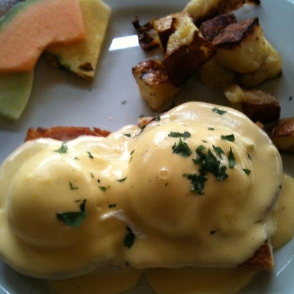 Eggs Benedict - Aperto, San Francisco, CA