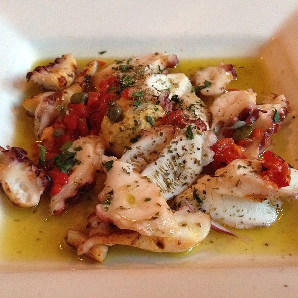 Oktopodi Scharas - Faros Restaurant, Brooklyn, NY