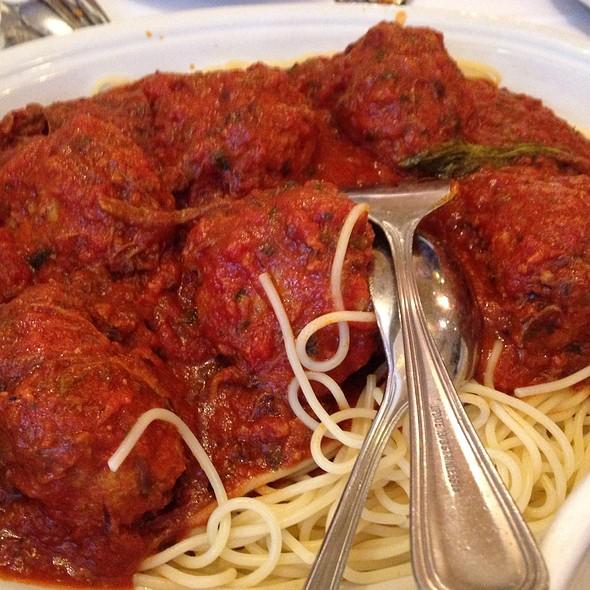 Spaghetti and Meatballs - Carmine's - 44th Street - NYC, New York, NY