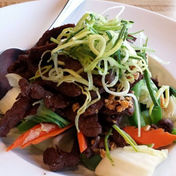 Paradise Beef - Soo Raa Thai - American CHIC, Toluca Lake, CA
