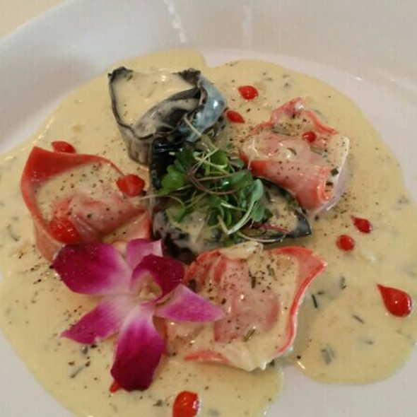 Smoked Salmon Tortellini - Olivos Restaurant, Doral, FL