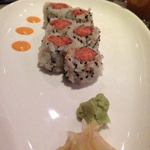 Spicy Tuna Roll - Blue Fin - New York, New York, NY