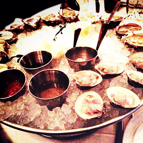 Raw Bar Clams And Oysters - Metropolis Oyster Room and Cocktail Bar, New York, NY