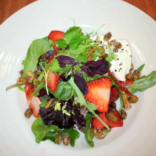 Baby Spinach, Strawberry And Goat Cheese Salad - Lakeview Bistro at The Westin Bonaventure Hotel, Los Angeles, CA