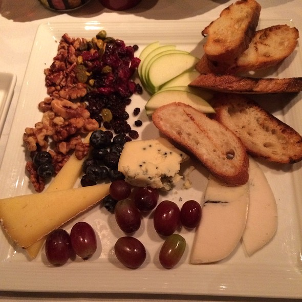 Cheese Pl - Slightly North of Broad, Charleston, SC