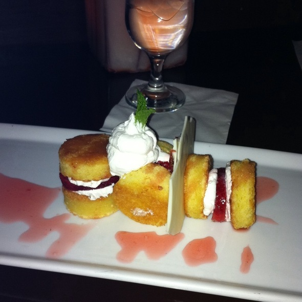 strawberry shortcake - Compass Arizona Grill - Hyatt Regency Phoenix, Phoenix, AZ