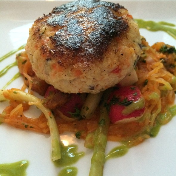 crab cake - Bouquet Restaurant and Wine Bar, Covington, KY