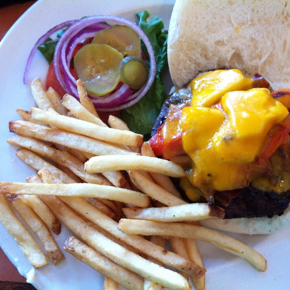 Hawaiian Burger - Harry's Main Street Grille, Westminster, MD