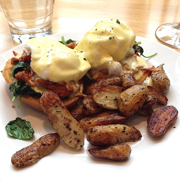 Kingsbury Eggs Benedict - Kingsbury Street Cafe, Chicago, IL