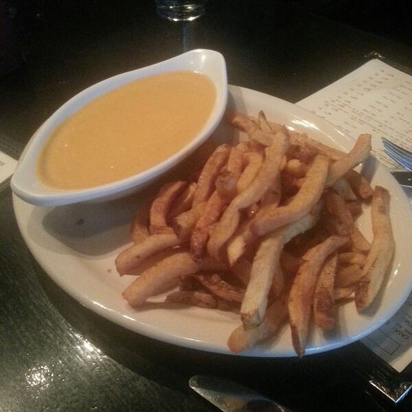 Fries with Rarebit Sauce - Meridian Pint, Washington, DC