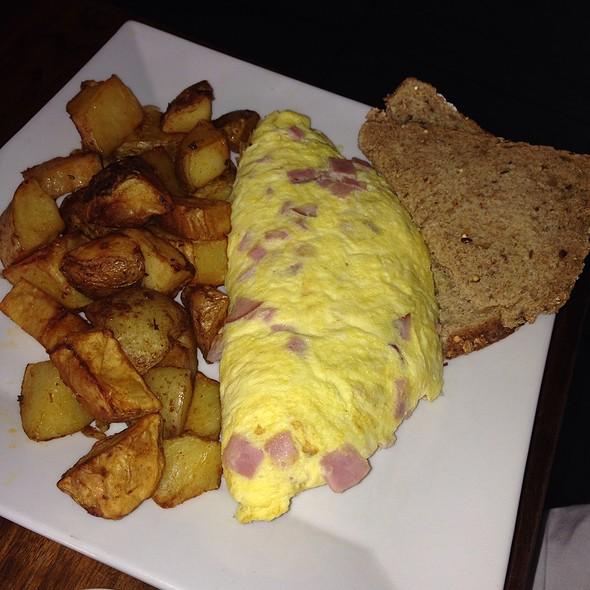 Ham And Cheese Omelet - Marathon - 19th & Spruce, Philadelphia, PA